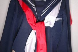 セーラー服の襟・ライン・スカーフとスカーフの結び方、プリーツ